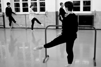 THE BALLET CLASS -14