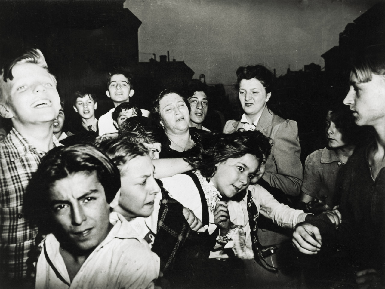 New york weegee and tichy at the icp on reflection for Most famous child murders