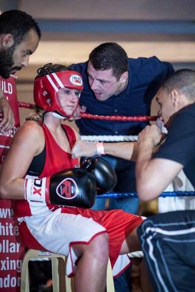 WHITE COLLAR BOXING -9